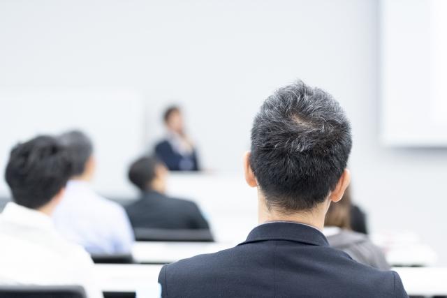 コンプライアンス教育を社内で進めるには?資料作成方法などを解説!